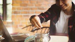 Lý do bạn cần tiết kiệm nhiều hơn thay vì trông vào lương hưu