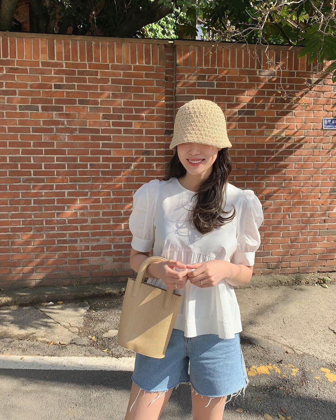 Có 1 mẫu áo mà dàn gái Hàn đang nâng như nâng trứng, diện lên đảm bảo có ảnh đẹp post Instagram sống ảo! - Ảnh 2.