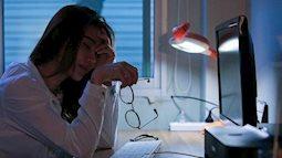 """4 """"báo động đỏ"""" xuất hiện sau khi thức khuya chứng tỏ cơ thể vượt quá giới hạn, nhanh chóng áp dụng 5 biện pháp này để giảm bớt tổn thương"""
