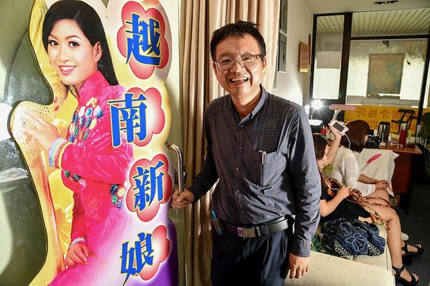 Nỗi thống khổ khốn cùng của cô dâu Việt ở Singapore: Bị chồng bỏ đói cả tuần, mang con đi trốn rồi lại về vì không biết trôi dạt nơi nào - Ảnh 1.