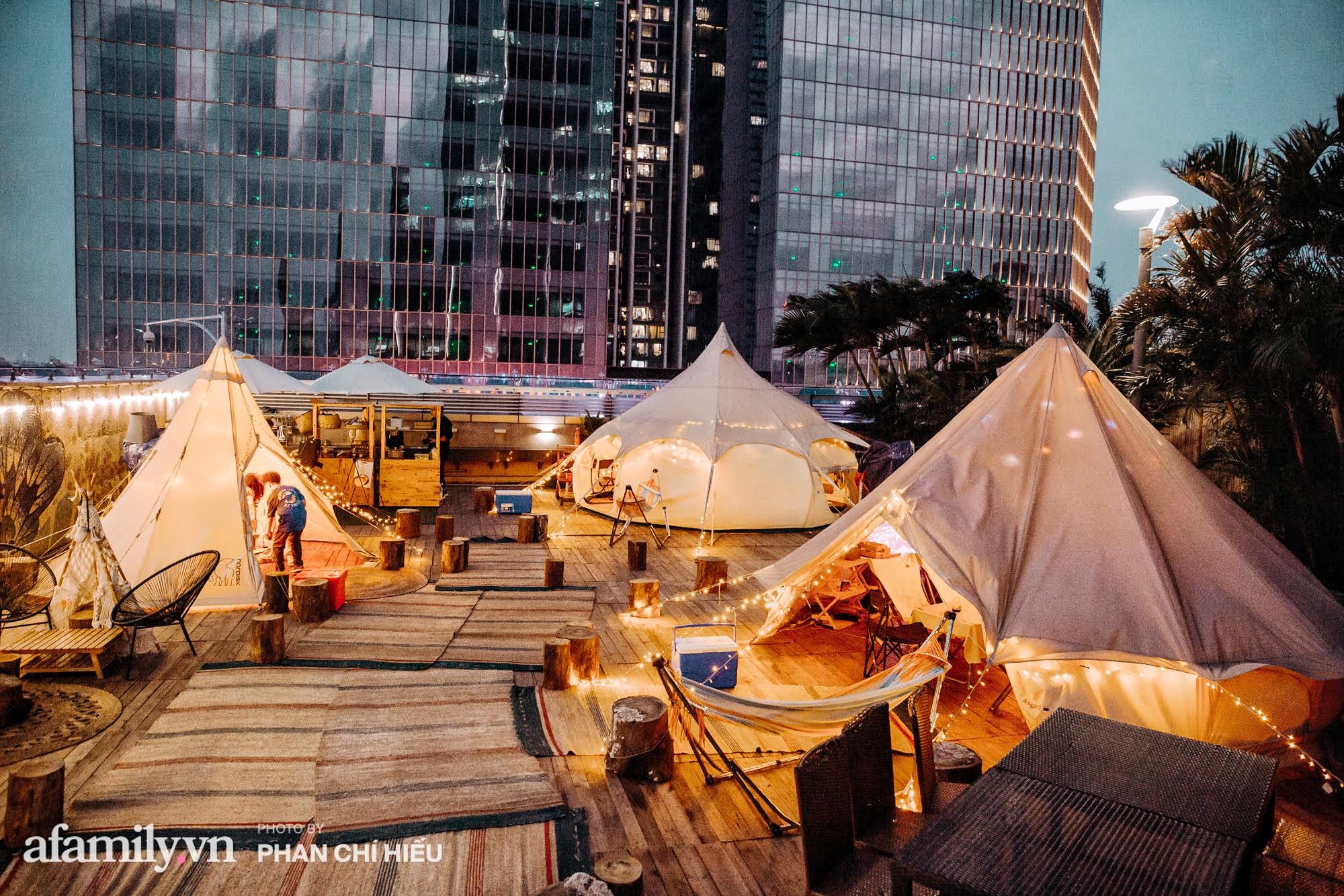 Siêu Hot: Glamping - Cắm trại xa xỉ trên nóc tòa nhà cao nhất Hà Nội, một khung cảnh