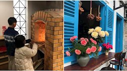 """""""Bỏ rơi"""" gian bếp hiện đại, cô vợ lên tầng thượng nhà phố xây bếp kiểu thôn quê, chill giữa mây trời Hà Nội"""