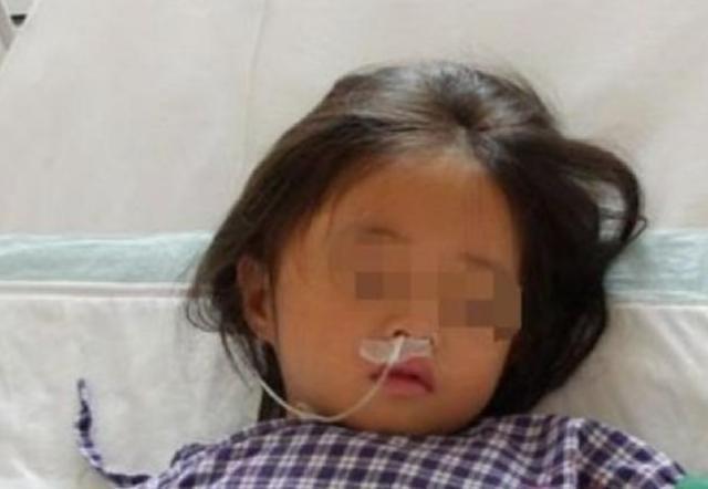 Con gái 7 tuổi nhập viện trong tình trạng sốt cao, miệng liên tục lẩm bẩm về chiếc máy giặt, bà mẹ bất ngờ phát hiện ra một bí mật gây sốc - Ảnh 1.