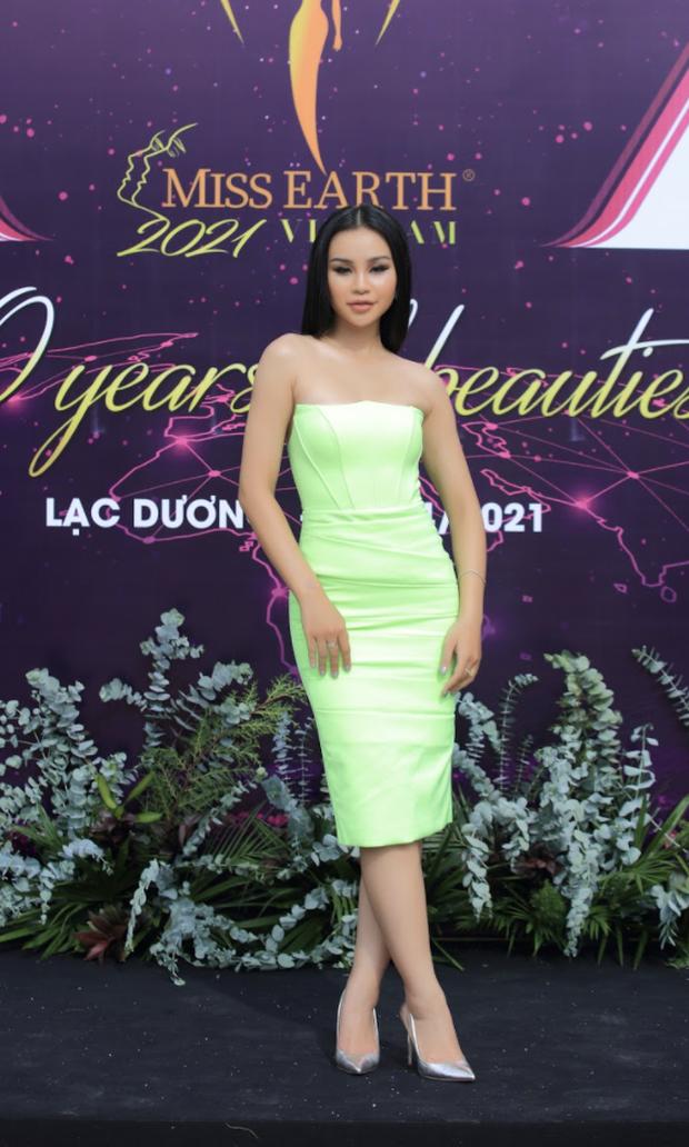 Sự kiện quy tụ đủ 7 mỹ nhân từng chiến Miss Earth: Phương Khánh, Diễm Hương khoe ngực đầy, Nam Em say nắng trên thảm đỏ - Ảnh 20.