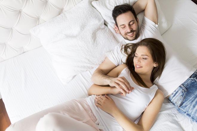 Cực khoái ở nữ kéo dài tới 51 giây, nam giới nghĩ đến tình dục 19 lần/ngày: Sự thật thú vị về tình dục ở nam và nữ - Ảnh 1.