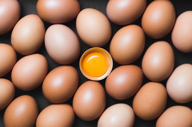 90% bà nội trợ chưa từng thử nấu trứng theo cách này, 5 phút xong ngay món đơn giản mà ai cũng xuýt xoa vì thơm ngon - Ảnh 1.
