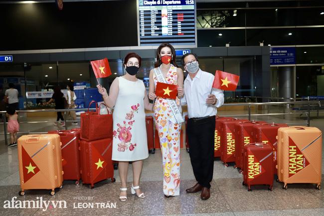 Khánh Vân đeo khẩu trang hình cờ Việt Nam, mang 16 vali hành lý lên đường sang Mỹ thi Hoa hậu Hoàn vũ 2020 - Ảnh 4.