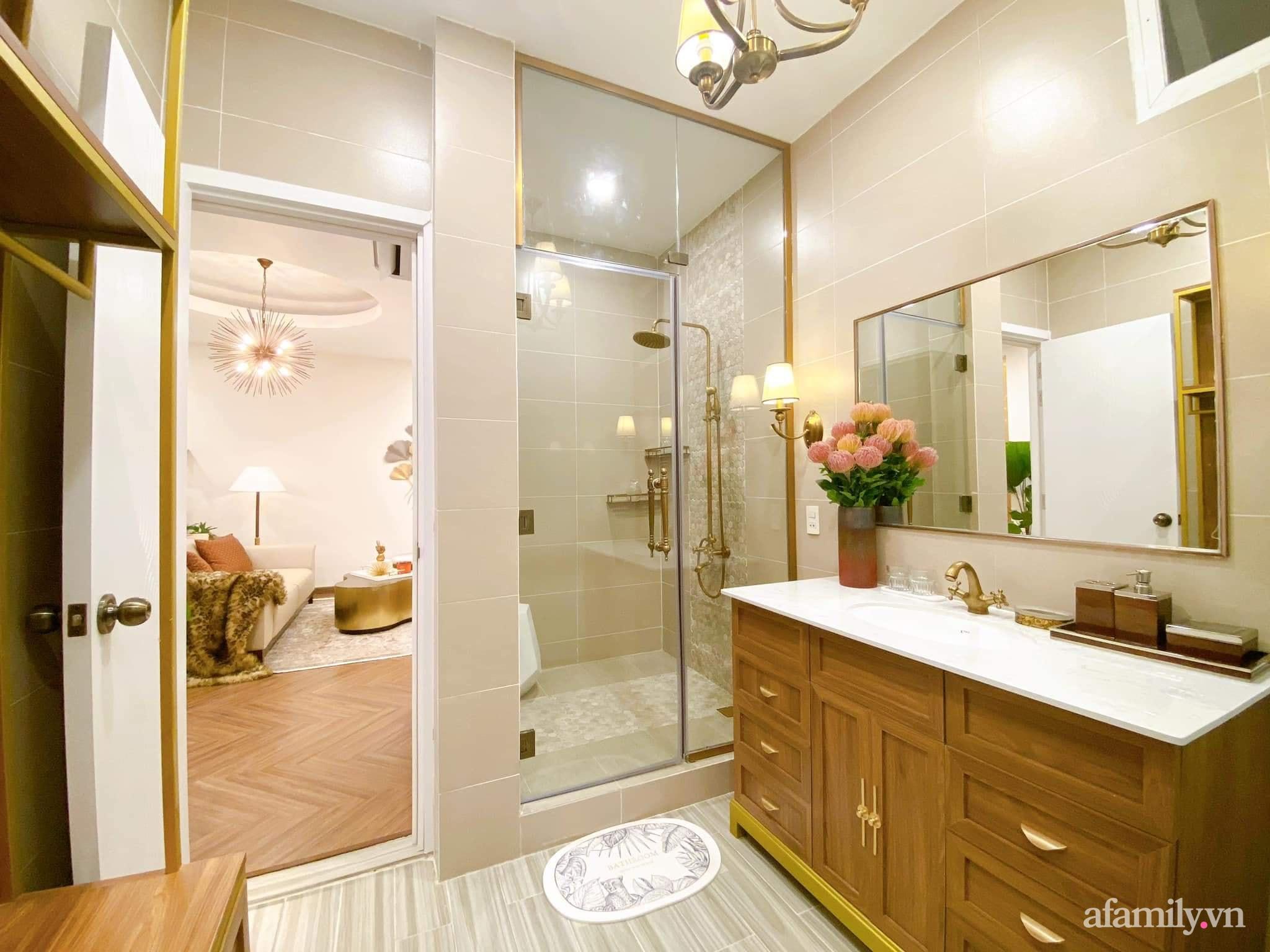 Lột xác phòng ngủ cũ kỹ thành không gian đẳng cấp 5 sao dành cho cặp vợ chồng U70 chỉ trong 2 tuần ở Sài Gòn - Ảnh 22.