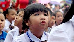 Hà Nội cho học sinh nghỉ học: Phụ huynh có người lo lắng vì con chưa kịp thi học kì, người băn khoăn không biết gửi con ở đâu để đi làm