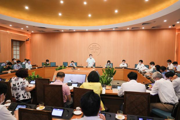 Hà Nội yêu cầu đóng cửa các cơ sở massage, rạp chiếu phim, phòng tập gym... từ 0h ngày 5/5 - Ảnh 1.