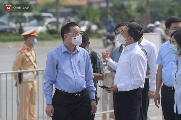 Nóng: Ghi nhận 10 ca dương tính SARS-CoV-2, bệnh viện K phong toả cả 3 cơ sở - Ảnh 4.