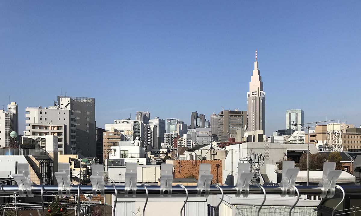 Căn hộ 33m2 có hiên nhà ngập nắng của nữ kiến trúc sư ở thủ đô - Ảnh 1.