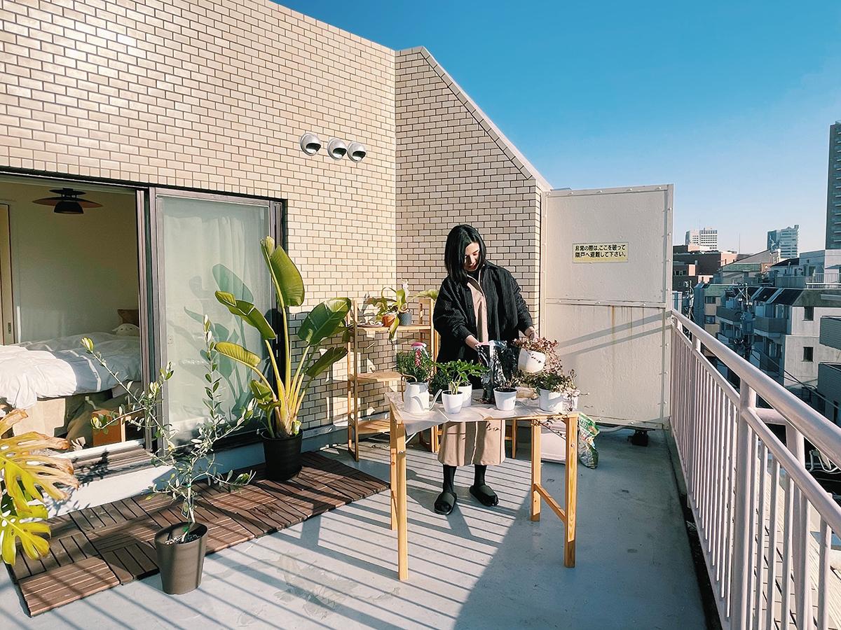 Căn hộ 33m2 có hiên nhà ngập nắng của nữ kiến trúc sư ở thủ đô - Ảnh 2.