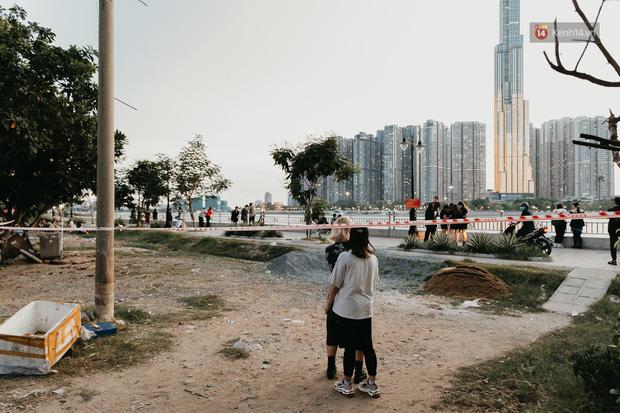 5 điểm tụ tập nổi tiếng của giới trẻ Sài Gòn giờ ra sao giữa mùa dịch: Nơi vắng lặng hơn hẳn, chỗ vẫn tấp nập như thường - Ảnh 5.