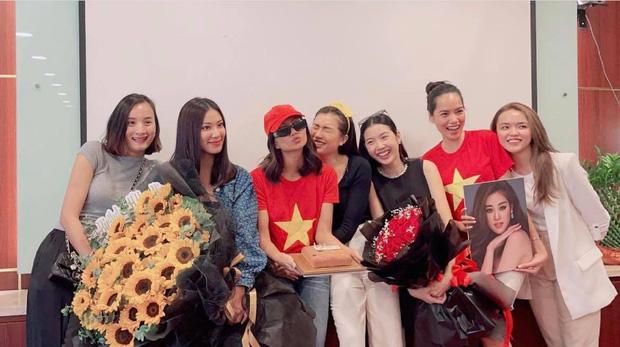 Khánh Vân có chia sẻ đầu tiên sau Bán kết Miss Universe 2020, nói 1 câu mà dàn sao Vbiz đồng loạt trầm trồ và động viên - Ảnh 7.