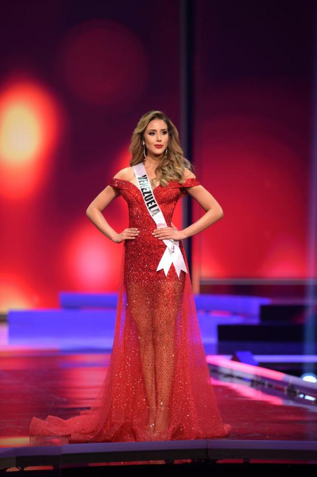Missosology công bố top 15 trang phục dạ hội đẹp nhất Miss Universe 2020, Khánh Vân thể hiện xuất sắc có đủ sức leo top? - Ảnh 9.