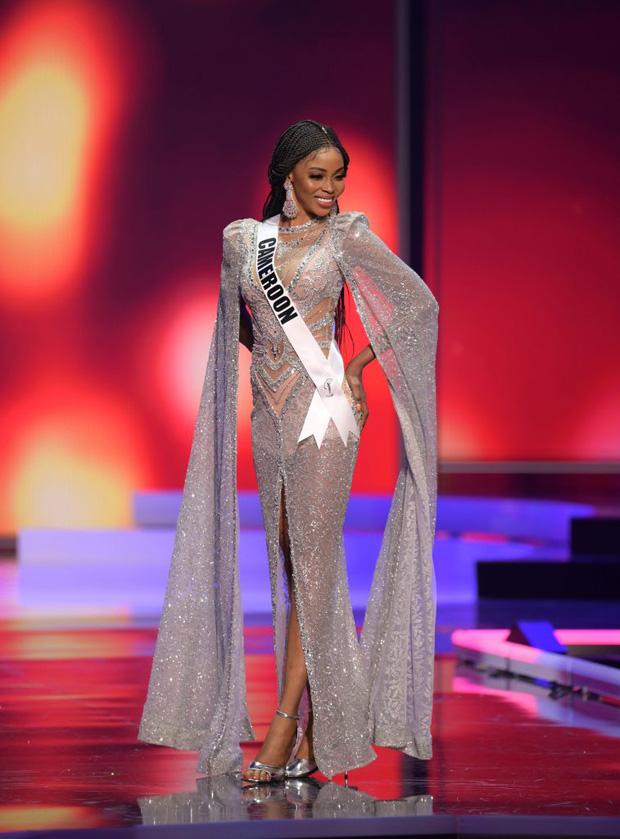 Missosology công bố top 15 trang phục dạ hội đẹp nhất Miss Universe 2020, Khánh Vân thể hiện xuất sắc có đủ sức leo top? - Ảnh 10.