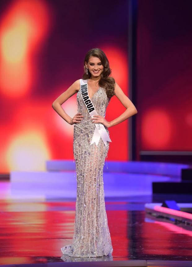 Missosology công bố top 15 trang phục dạ hội đẹp nhất Miss Universe 2020, Khánh Vân thể hiện xuất sắc có đủ sức leo top? - Ảnh 14.