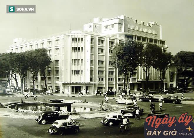 REX: Từ gara ô tô 2 lầu thành rạp phim xa hoa hàng đầu Đông Nam Á, sau 60 năm vẫn là nơi lộng lẫy bậc nhất Sài Gòn - Ảnh 1.