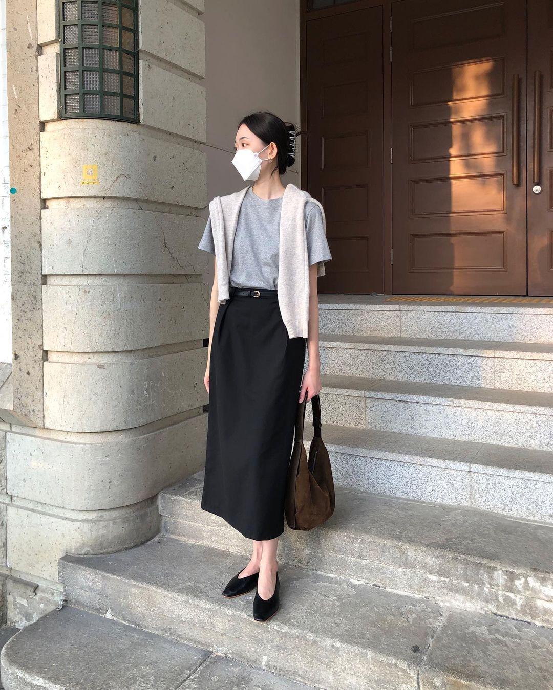 Nàng blogger Hàn có biệt tài diện toàn đồ đơn giản mà ai cũng muốn copy theo, diện đi làm hay đi chơi cũng ổn - Ảnh 4.