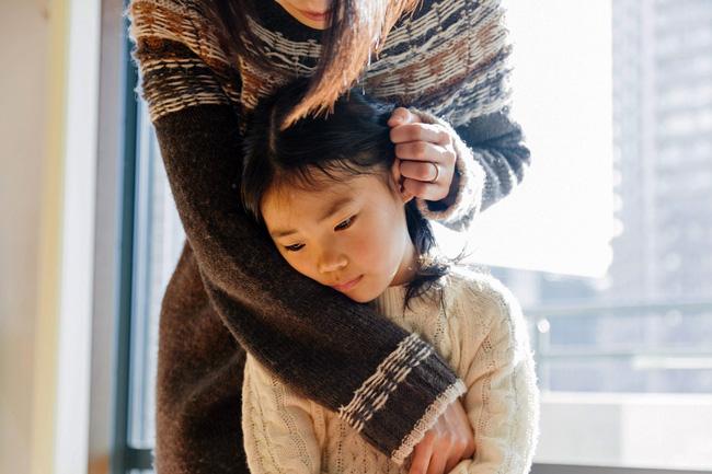 Khi con biết cãi lại, bố mẹ nên mừng chứ đừng trách con hư, 3 phản ứng khôn ngoan của phụ huynh sẽ giúp đứa trẻ nên người - Ảnh 4.