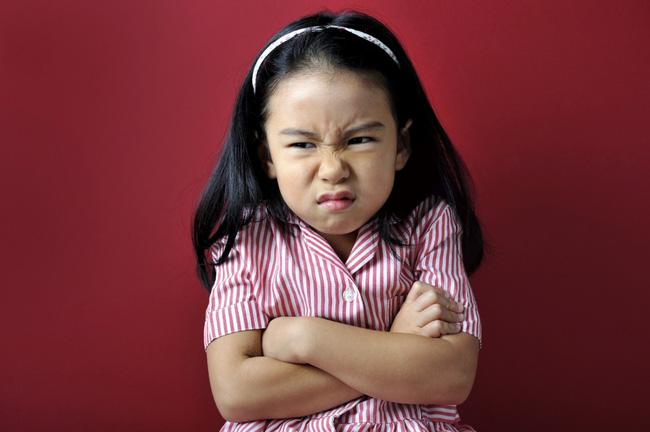 Khi con biết cãi lại, bố mẹ nên mừng chứ đừng trách con hư, 3 phản ứng khôn ngoan của phụ huynh sẽ giúp đứa trẻ nên người - Ảnh 1.