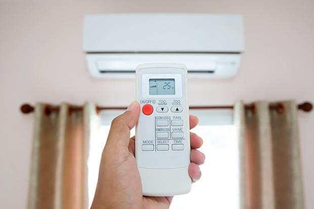 Hiểu rõ từng chức năng trên remote điều hòa, những ngày nắng nóng dùng sao để vừa mát, vừa tiết kiệm điện? - Ảnh 1.