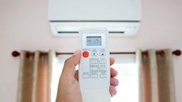 Hiểu rõ từng chức năng trên remote điều hòa, những ngày nắng nóng dùng sao để vừa mát, vừa tiết kiệm điện?
