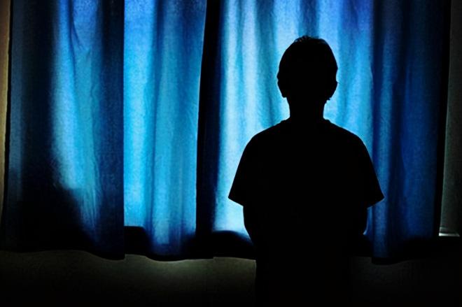 An ủi bạn thân của mẹ đang mâu thuẫn với chồng, nam sinh 15 tuổi bị đối phương dụ luôn vào tròng, phát sinh quan hệ ít nhất 15 lần - Ảnh 4.