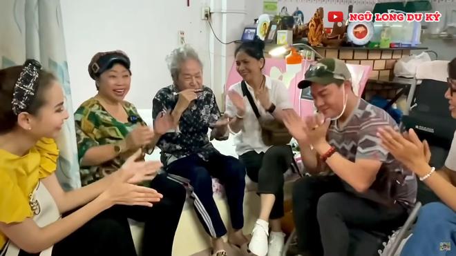 Nghệ sĩ Tòng Sơn 92 tuổi tiết lộ có 8 người vợ, riêng vợ đầu sinh 10 đứa con - Ảnh 4.