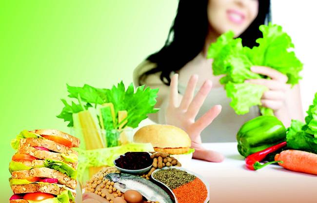 HLV chia sẻ chuyện giảm cân cực đoan bằng cách ăn quá ít, tập quá nhiều,
