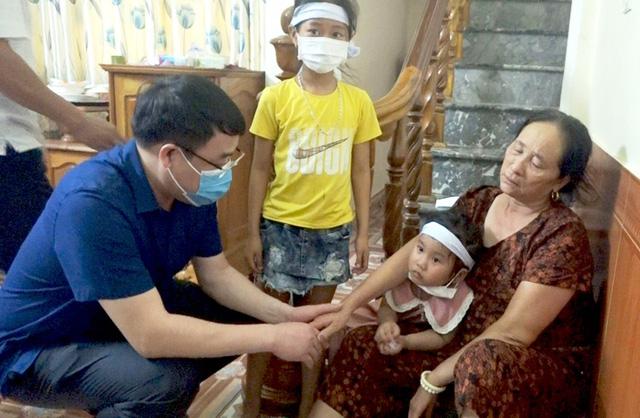 Vụ 3 trẻ em đuối nước tại Thanh Hóa: Bố mẹ không thể về nhìn mặt con lần cuối - Ảnh 1.