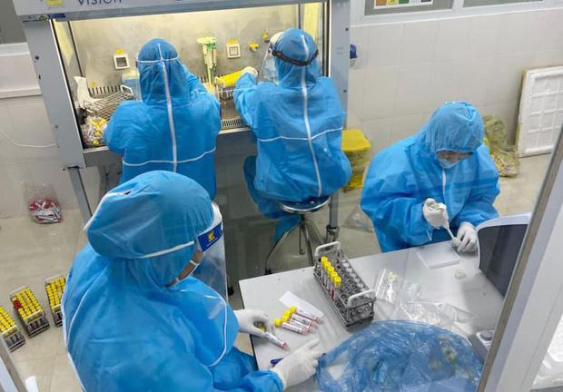 Hà Tĩnh: 2 con của bệnh nhân COVID-19 ở Thị xã Hồng Lĩnh dương tính với SARS-CoV-2 - Ảnh 1.