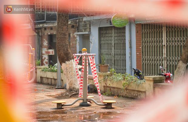 Hà Nội: Phong toả hàng loạt máy tập thể dục ngoài trời, khu vui chơi trẻ em để phòng dịch Covid-19 - Ảnh 9.