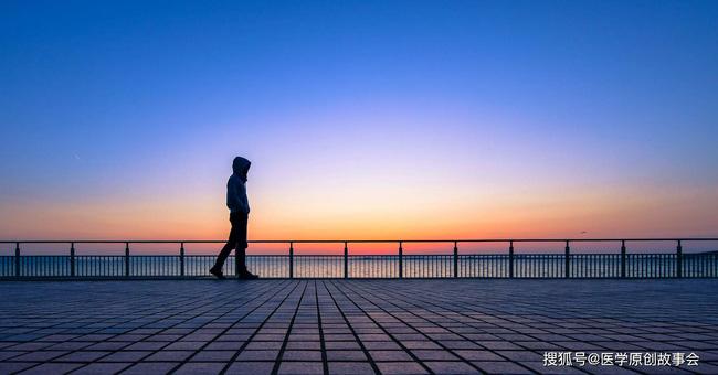 Những người có tuổi thọ ngắn thường có 3 đặc điểm này khi đi bộ, sau 45 tuổi hy vọng bạn không mắc phải bất kì điểm nào - Ảnh 4.