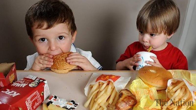 Hệ miễn dịch của bạn coi thức ăn nhanh như một mầm bệnh, vì vậy đừng nạp thêm chúng vào người - Ảnh 6.