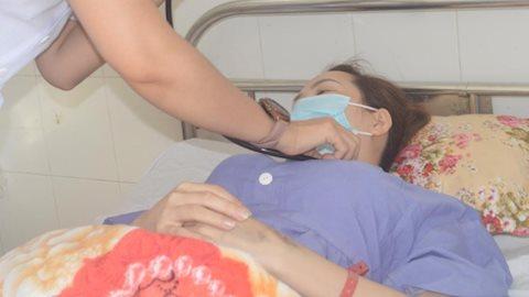 Bác sĩ mổ khẩn cấp cứu sản phụ mang thai ngoài tử cung thể hiếm gặp nguy kịch