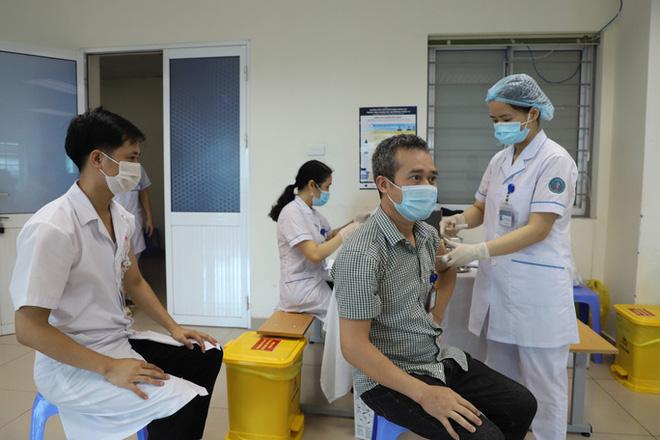 Vắc xin Nano Covax kiến nghị cấp phép khẩn: Chuyên gia nêu 3 yếu tố để được chấp thuận - Ảnh 1.