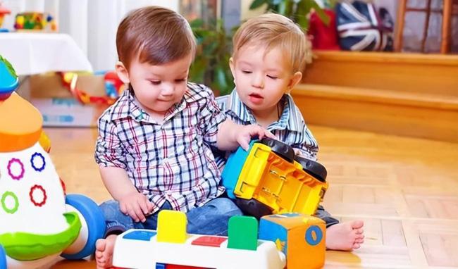 Biểu hiện của một đứa trẻ khi bị cướp đồ chơi có thể cho thấy EQ của trẻ như thế nào, cha mẹ cần quan sát cẩn thận - Ảnh 3.