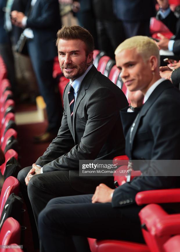 """""""Nội dung"""" hot nhất trận Anh - Đức đêm qua David Beckham: Có bản HD căng đét mời chị em vào """"húp trọn"""" cực phẩm! - Ảnh 5."""