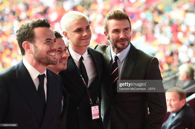 """""""Nội dung"""" hot nhất trận Anh - Đức đêm qua David Beckham: Có bản HD căng đét mời chị em vào """"húp trọn"""" cực phẩm! - Ảnh 7."""