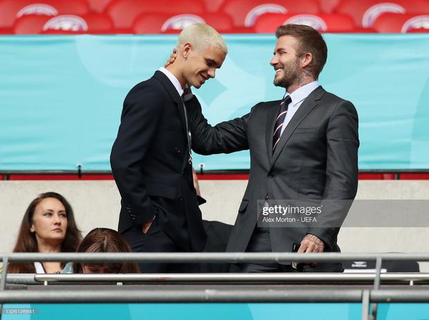 """""""Nội dung"""" hot nhất trận Anh - Đức đêm qua David Beckham: Có bản HD căng đét mời chị em vào """"húp trọn"""" cực phẩm! - Ảnh 14."""