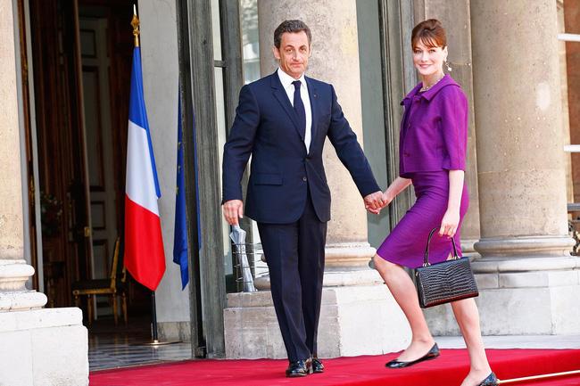Từng có một cựu Phu nhân Tổng thống Pháp với phong cách thanh lịch thời thượng, luôn chiếm sóng tại hàng ghế đầu của các show thời trang - Ảnh 7.
