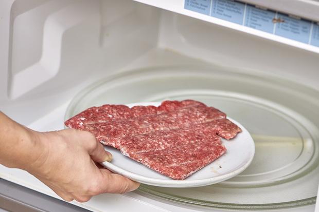 Trữ lạnh thịt - rau mùa giãn cách: Ghim ngay những bí quyết này nếu không muốn rau héo rũ còn thịt mất hết chất - Ảnh 4.