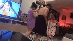 """Ông bố chơi nhảy dây cùng 2 con gái cực điệu nghệ, nhưng nhìn trang phục bố mặc thì ai nấy cười """"té ghế"""""""