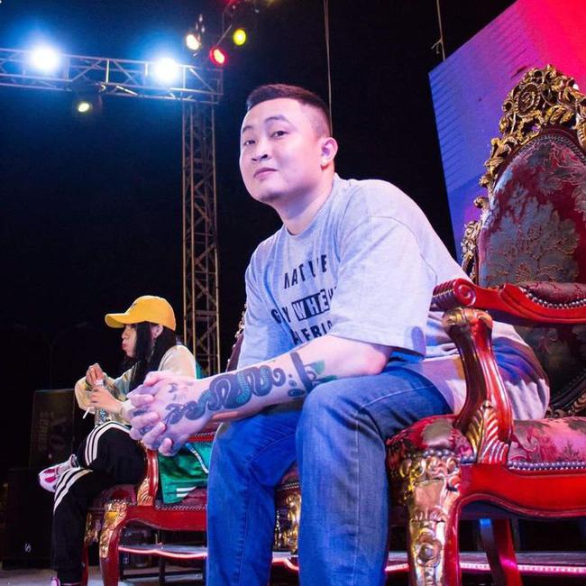 Chàng trai Gò Vấp phát cơm miễn phí tới tận hang cùng ngõ hẻm: