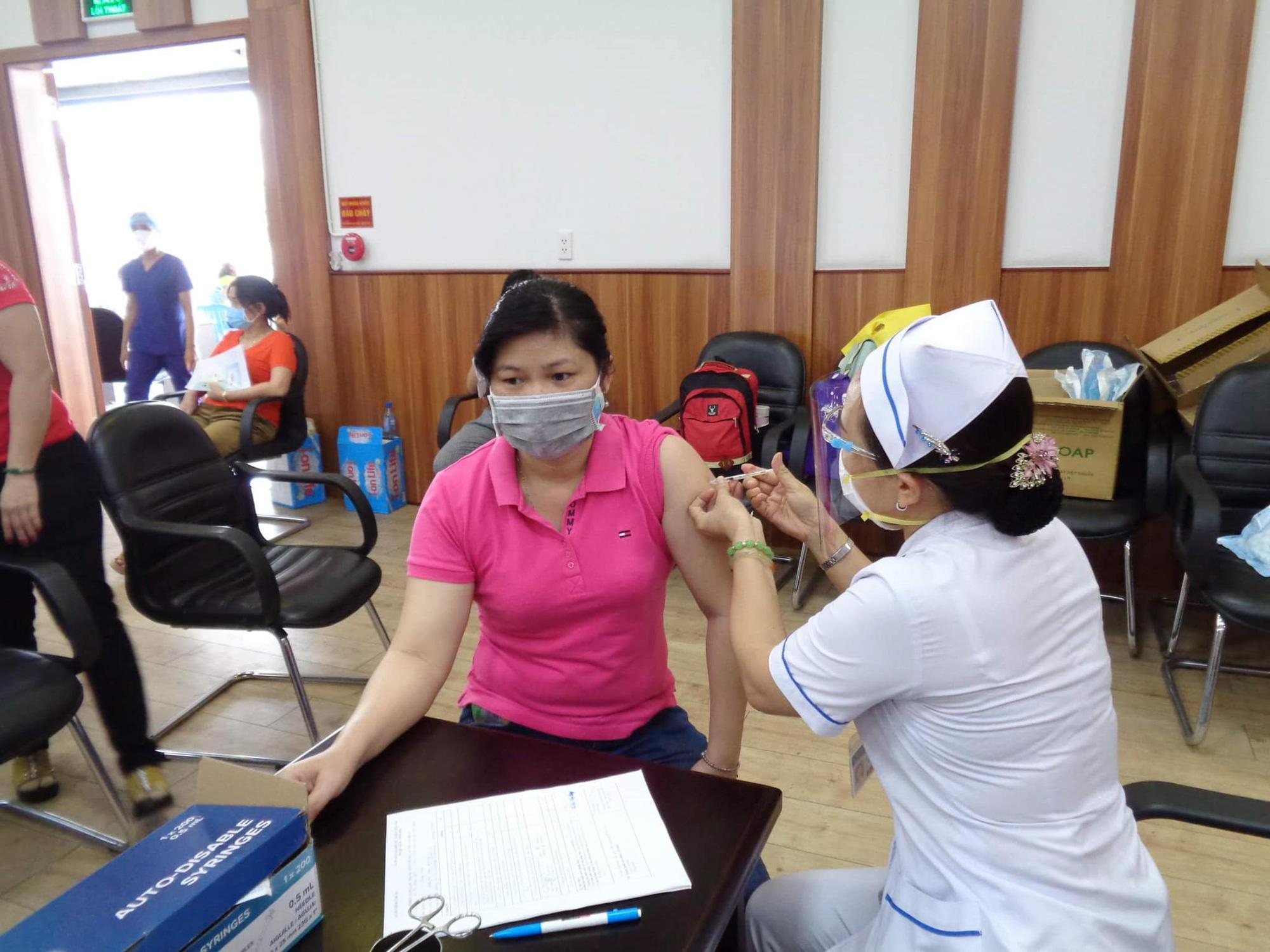Trong tuần này sẽ có thêm 3 triệu liều vắc xin phòng COVID-19 Moderna về Việt Nam - Ảnh 1.