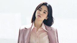 """Song Hye Kyo khoe nhan sắc trẻ trung khó tin ở tuổi 40 nhưng có một chi tiết ai nhìn cũng thấy """"sai"""""""