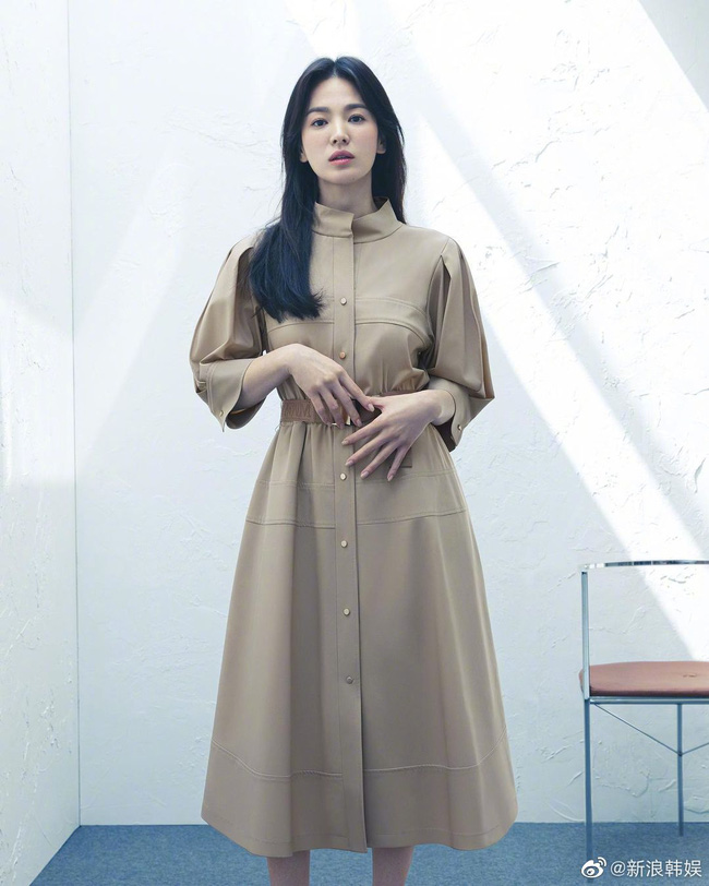 Song Hye Kyo khoe nhan sắc trẻ trung khó tin ở tuổi 40 nhưng có một chi tiết ai nhìn cũng thấy