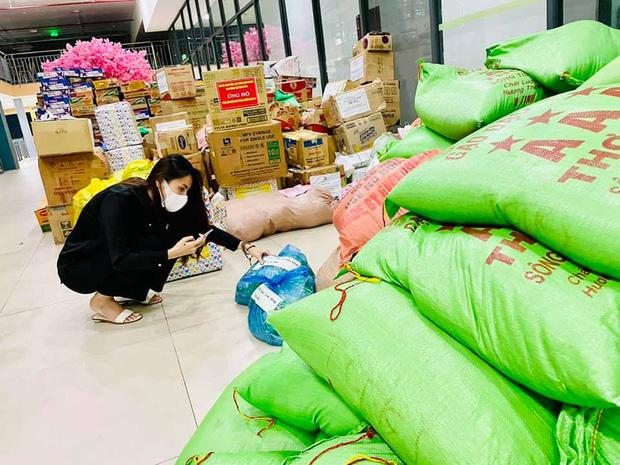 """Thuỷ Tiên bị tố """"nhận vơ"""" cả trăm tấn lương thực người dân Hà Tĩnh tiếp tế cho Sài Gòn, Công Vinh bức xúc lên tiếng phân trần - Ảnh 9."""